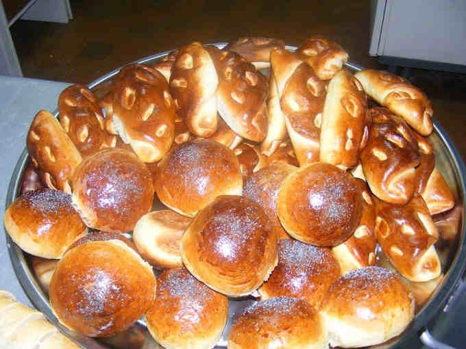 Іваньківська громада почала випікати диво-пиріжки для своїх школярів