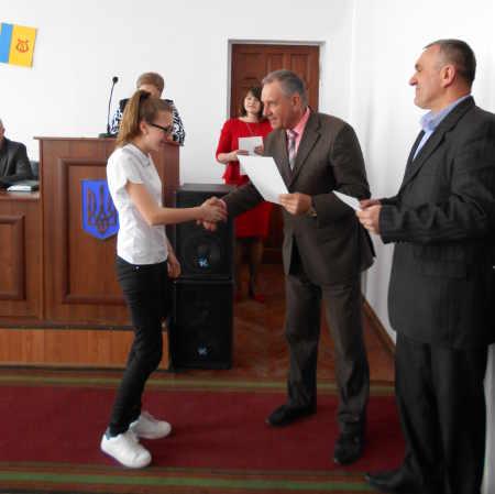 У Городищі нагородили обдарованих учнів району