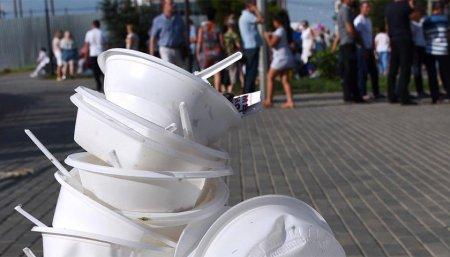 У Канівській громаді планують унікальний крок - відмовитися від пластику