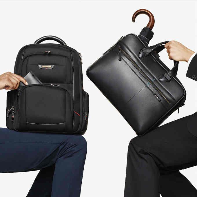 Сумка або рюкзак для ноутбука