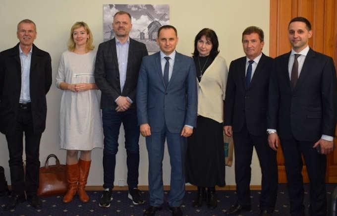 Іноземні інвестори вивчають ринок праці Черкащини з метою створення нових робочих місць