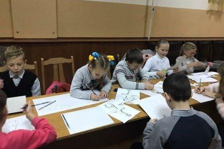 Жителі Руськополянської ОТГ взялися власноруч прикрасити головну ялинку