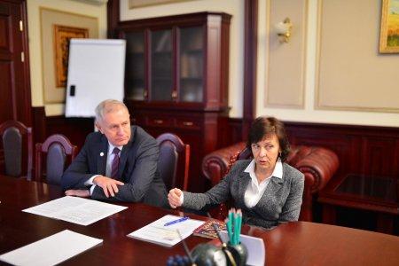 Представник Посольства США в Україні відвідав Черкаський державний бізнес-коледж