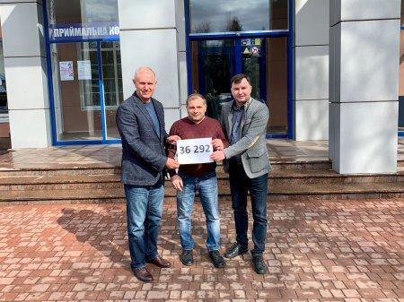 Черкаський державний бізнес-коледж зібрав кошти для свого студента