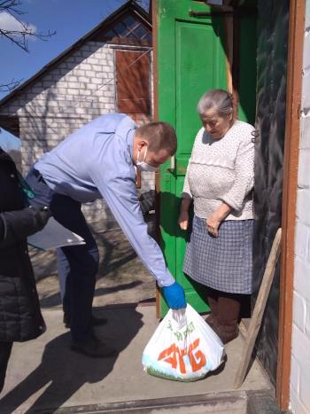 У Балаклеївській громаді людей похилого віку в карантин забезпечили продуктами
