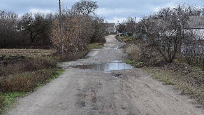 Життя у калюжах і грязюці: матусівських селян залишили без ремонту дороги