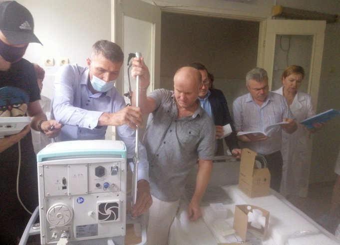 апарат інтенсивної терапії американського виробництва V8600 (USA)