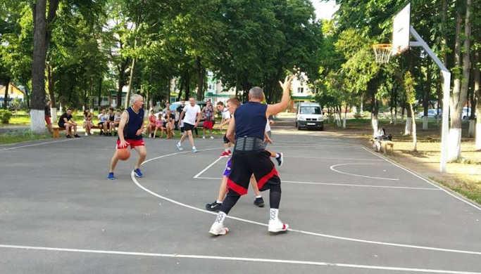 У Звенигородці відбувся турнір зі стрітболу на призи райради