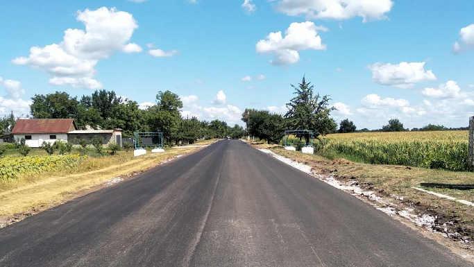 На Чорнобаївщині вже відремонтовано ряд доріг