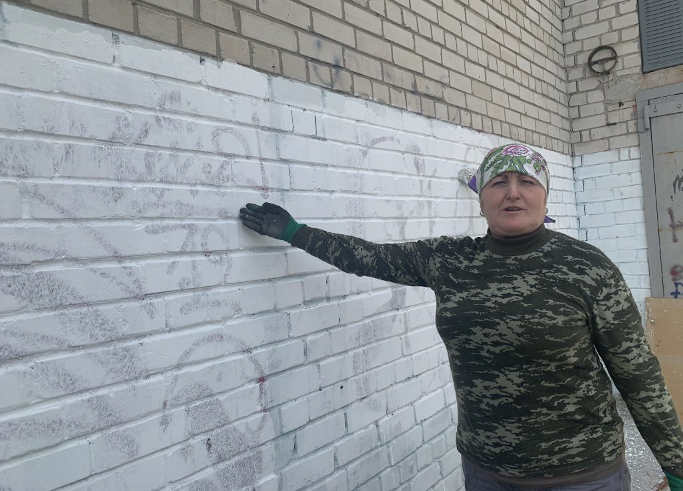 Черкаські комунальники борються з місцевими наркодилерами