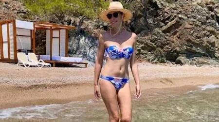 Популярна українська телеведуча Катерина Осадча разом з чоловіком і синами вже кілька днів відпочиває в сонячній Туреччин