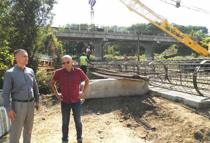 На Городищині будують шляхопровід через залізницю