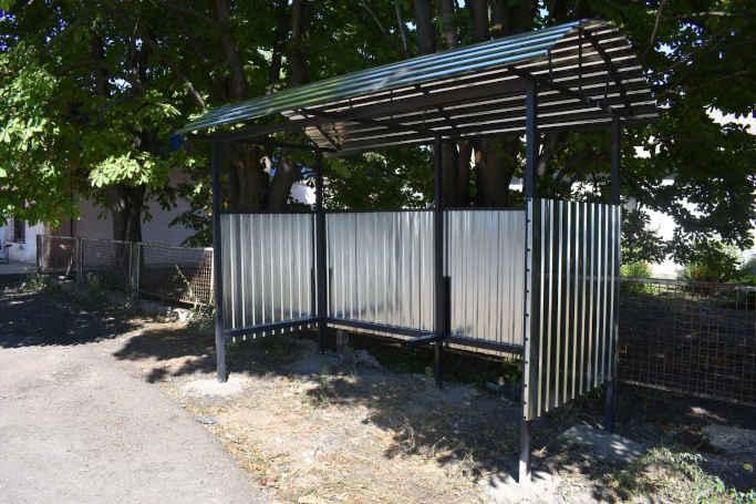 У Матусівській громаді встановлюють нові автобусні зупинки (фото)