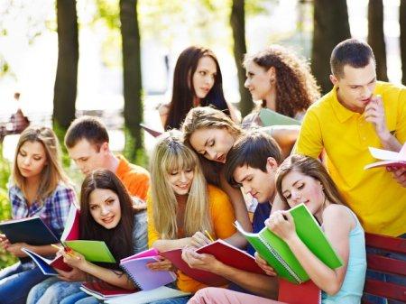 Червонослобідська громада винагороджуватиме талановитих дітей та молодь стипендією та премією сільського голови