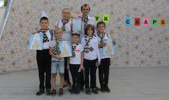 Переможці в нагороду за знання, виявлені наполегливість, спритність, кмітливість отримали козацькі медалі, грамоти та подарунки