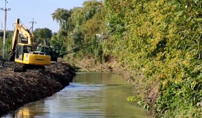 У Золотоноші триває благоустрій берегової лінії (фото)