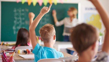Школярів Іваньківської громади у новому навчальному році чекає цілий ряд подарунків