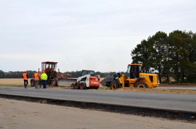 В Тальнівському районі ремонтують дорогу Н-16