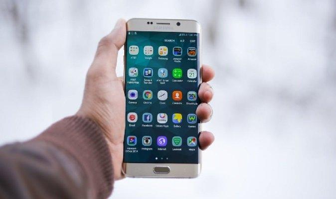 Додатковий «податок на смартфон» навряд допоможе детінізувати ринок