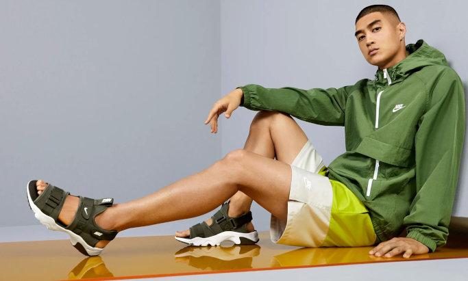 Корисні поради: з чим носити спортивні сандалі