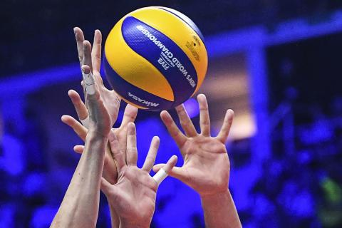 У Смілі відбувся черговий тур відкритого чемпіонату міста з волейболу