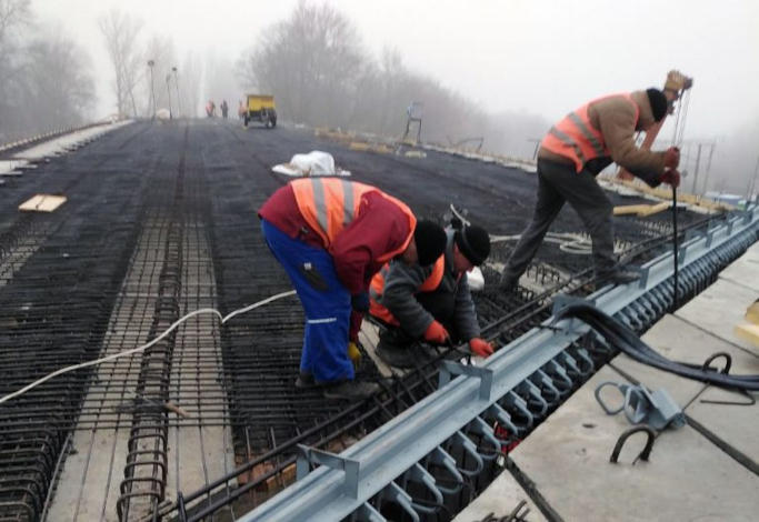 У Городищі розпочали ремонт шляхопроводу через залізницю