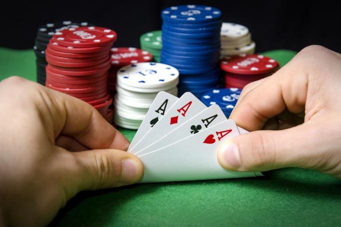 Каковы особенности покера на гривны?