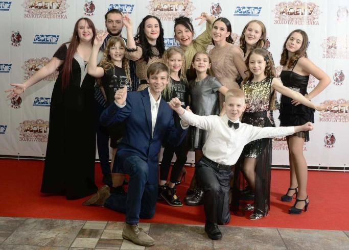 Танцівники черкаського молодіжного центру були номіновані на «Золоту відзнаку»