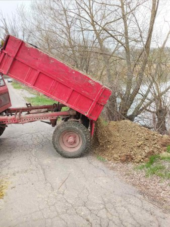 Чигиринська громада упередила руйнування дамби і перетворення села Іванівка на величезне болото