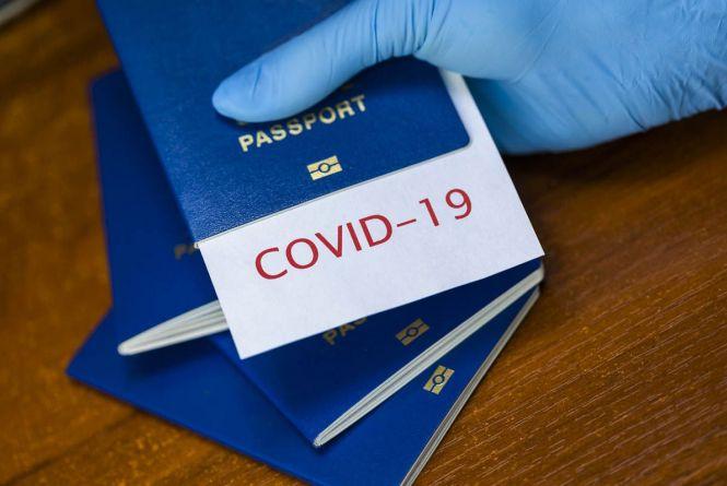 Українські ковідні сертифікати дозволять подорожувати до ЄС в рамках безвізу