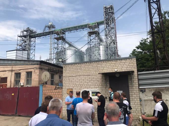 У Черкасах підприємство з Одещини збудувало виробничий комплекс без необхідних дозвільних документів (фото)