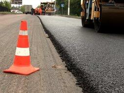 У Драбові приватний підприємець привласнив кошти під час ремонту доріг