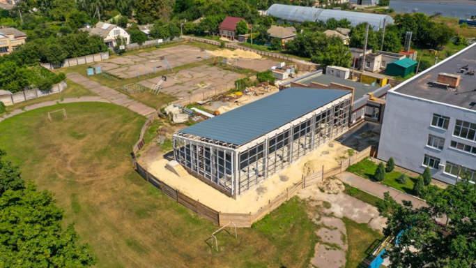 У Золотоніській гімназії реконструюють басейн (фото)