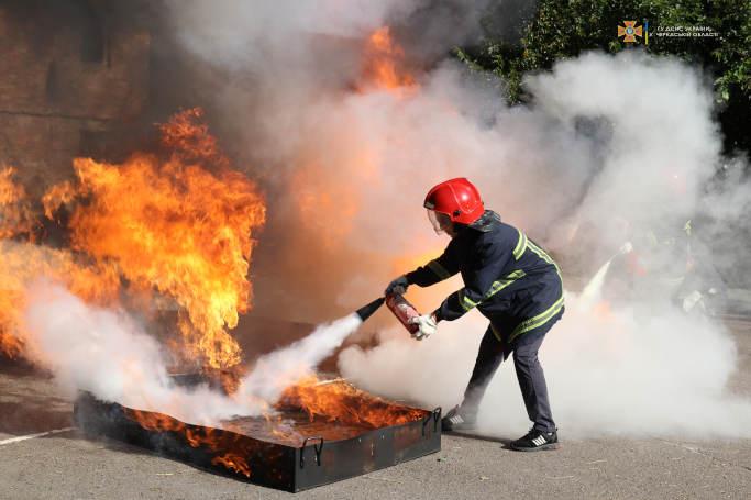 У Черкасах відбулись змагання серед цехових добровільних пожежних дружин (відео)