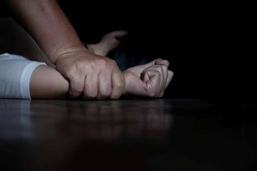 Суд визнав винним черкащанина у зґвалтуванні своєї доньки