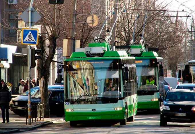 Тролейбуси №1, №7 та №10 у робочі дні працюватимуть довше
