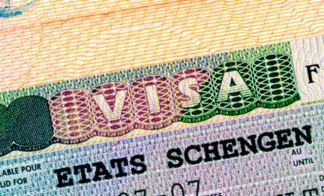 Германия отменила плату за национальные визы для украинцев