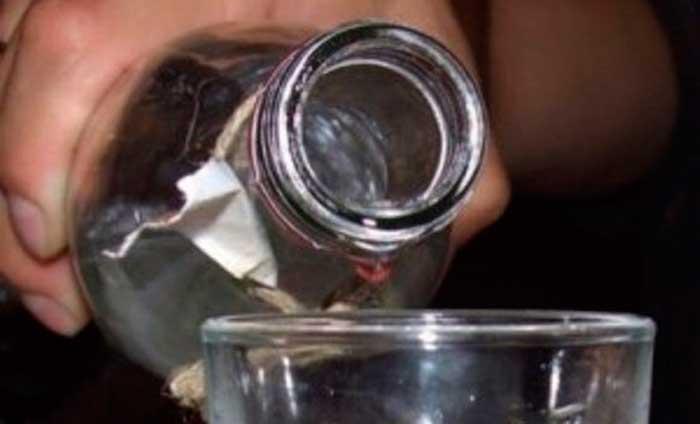 В Черкассах пьяный член избиркома пытался закурить над стопкой бюллетеней