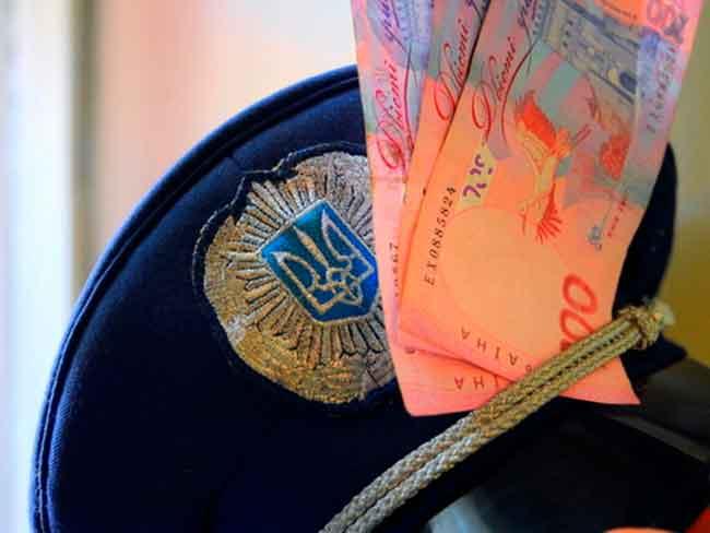 На Уманщині уродженці Молдови намагалися «викупити» з поліції затриманого товариша